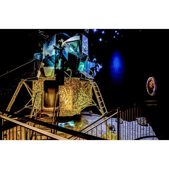Nacht in der Mondlandefaehre Raum Bozen für 2