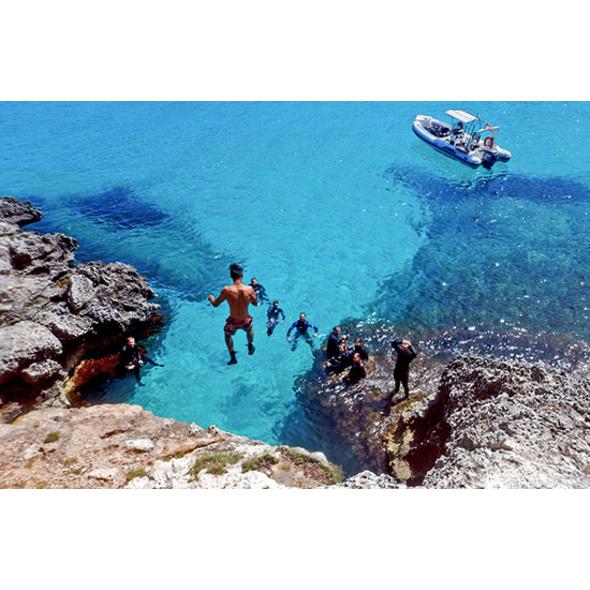 Abenteuer- und Schnorchelausflug in der Piratenhoehle auf Mallorca