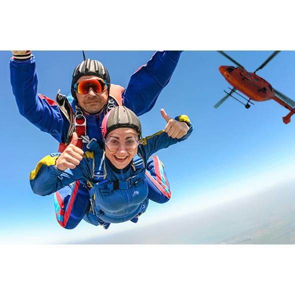 VIP-Flugtag mit Heli Fallschirm Tandemsprung - Arena München
