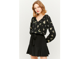 Romantische Bluse mit Blumen und Rüschen